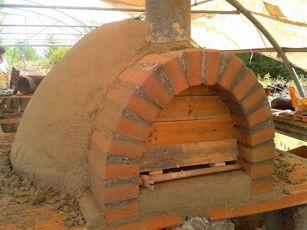 Costruiamo il forno a legna in terra cruda vecchi articoli - Forno di terracotta ...